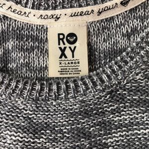 Roxy scoop neck gray and white knit sweater.XL